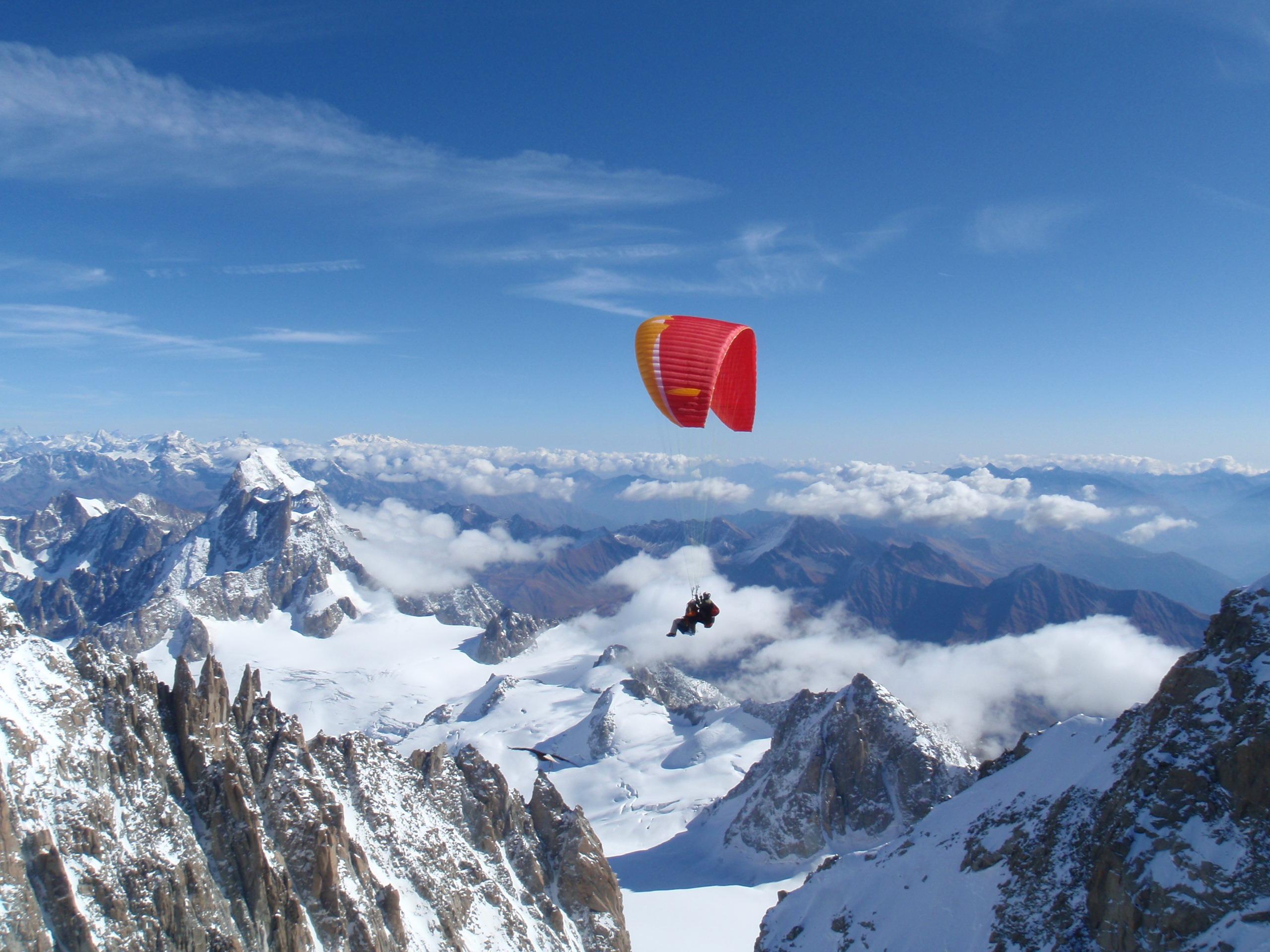 vol avec un aigle au mont blanc
